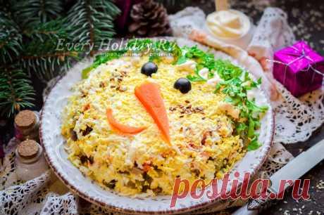 """Салат """"Снеговик"""" - рецепт с фото с курицей и грибами пошагово"""