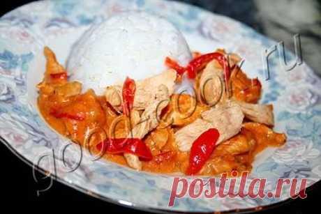 курица тушеная в сливках с болгарским перцем, рецепт приготовления