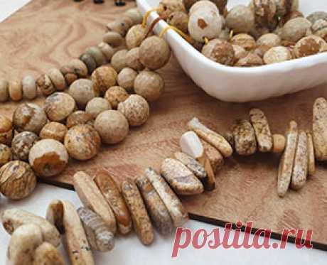 Бусины из натуральных камней для украшений. Что можно сделать из каменных бусин.    Бусины из камня натурального происхождения по своей природе уникальны. Несомненно, они обладают особой энергетикой. Можно верить или не верить во все им присущие магические свойства. Природный