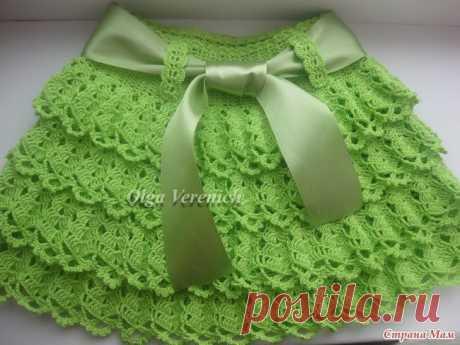 Нюансы вязания многоярусного платья с рюшами: