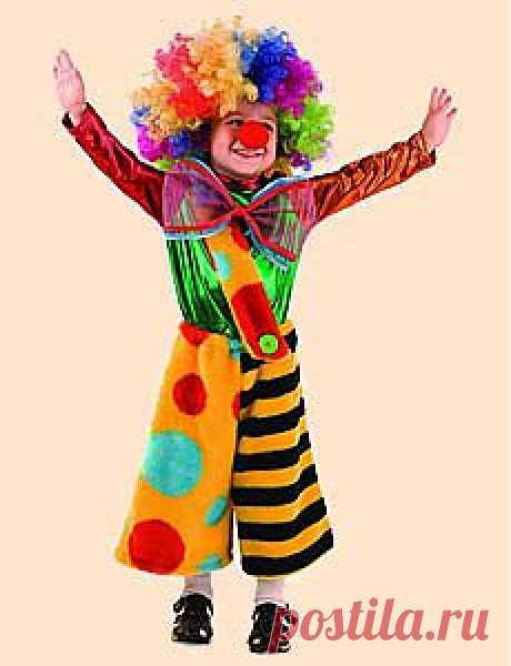 Этот стих-визитка поможет детям представить и защитить на карнавале костюм веселого рыжего клоуна. Американские фильмы и плохие актеры демонизировали этот образ человека-улыбки, но у малышей есть все шансы вернуть ему любовь зрителей.