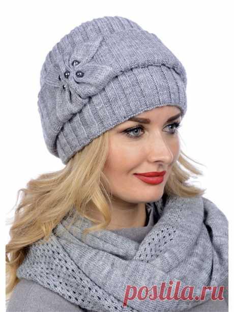 Шапка – очень важный, модный и необходимый предмет одежды для каждого человека, который живет в более-менее холодном климате. В магазине сегодня очень много красивых фабричных шапок. Но не всегда вы можете подобрать себе шапку подходящей расцветки или фактуры.