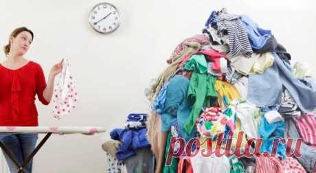 Как разгладить одежду без утюга Оказывается, одежда может выглядеть прилично, даже если под рукой нет утюга.Эти лайфхаки пригодятся всем, кто хоть раз опаздывал на работу, пытаясь быстро погладить внезапно помявшуюся одежду. Если по...