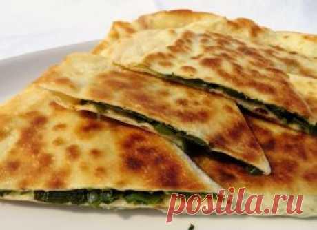 Лепешки с зеленым луком и джусаем по-афгански. Пирожки Болани     Сразу готовьте двойную порцию, это очень вкусно! Простой рецепт замечательных лепешек (пирожков) Болани! Сегодня начинка из зеленого лука и джусая, сочная, яркая и аппетитная! Пока все не съешь, н…