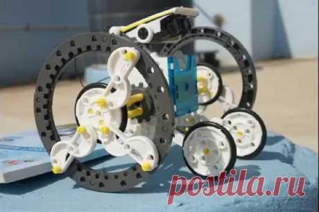 Ребенок дни напролет проводит с этим конструктором Крестные подарили нам обалденный подарок – робота конструктора на солнечной батарее  https://c.verygoodgooods.ru/rd/6WXRzQ  . Честно говоря, я даже не знал, что такие бывают, был потрясен игрушкой.