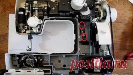 Уход и мелкий ремонт швейной машины (Шитье и крой) Очень часто при шитье бывают неполадки в работе швейной машинки и многие начинающие швеи не знают, как устранить проблему. Рассмотрим наиболее частых причинах сбоя в работе. Для примера возьмем раб…