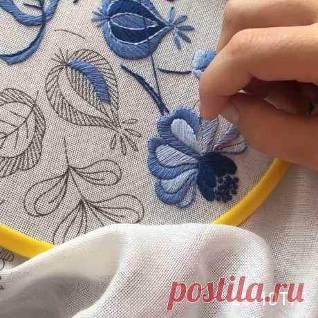 Ирина Полат в Instagram: «Процесс создания скатерти. Наша сила в нашей истории и корнях. #как_вышивать_гладью Creating a new table cloth.»