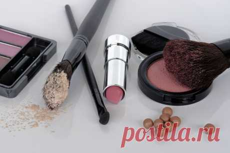 Что будет, если использовать грязные кисти для макияжа? Читайте на портале slovesa.in.ua - какая реакция кожи на применение грязных кистей