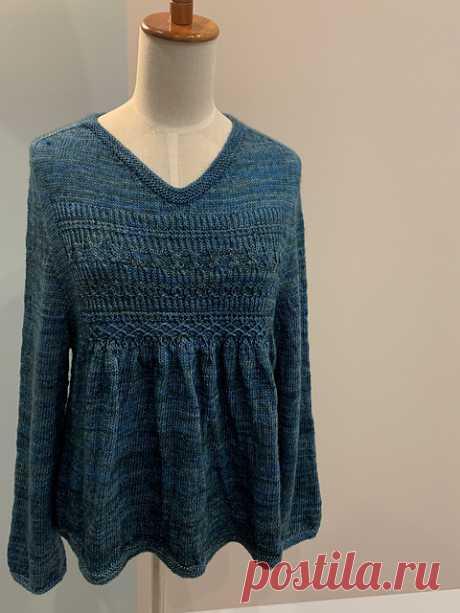 Пуловер-блуза с рельефной кокеткой AmaAma - Вяжи.ру