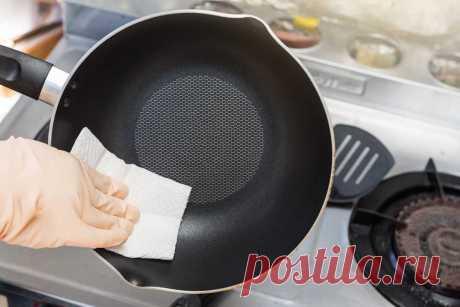 Как очистить сковороду с антипригарным покрытием от нагара и жира в домашних условиях, как почистить пригоревшую сковородку внутри и снаружи Как отмыть сковородку с антипригарным покрытием внутри и снаружи? Как мыть застарелый нагар и жир? Как качественно очистить пригоревшую сковородку в домашних условиях? Чем чистить сковородки Тефаль с тефлоновым покрытием от нагара?