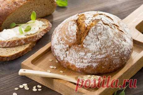 Белый хлеб с овсяными хлопьями в мультиварке.