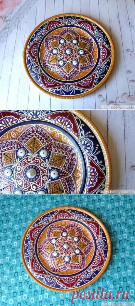 Тарелка декоративная деревянная Восточный базар точечная роспись