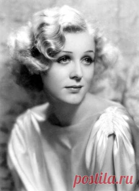 Помните пожилую Розу из «Титаника»? А знаете, какой она была красоткой в молодости, даже не верится!