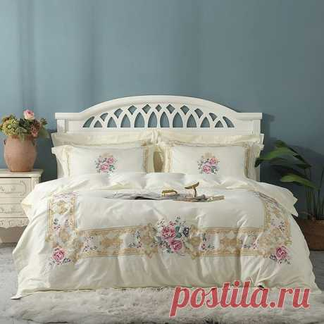 Photo by Айкануш А.   Домашний текстиль in Ситицентр. May be an image of bedroom.