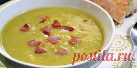 5 интересных рецептов горохового супа Эти вкусные и питательные супы согреют вас в любую погоду. Просто добавьте к гороху ароматные специи, копчёные рёбрышки, бекон, фрикадельки или грибы.