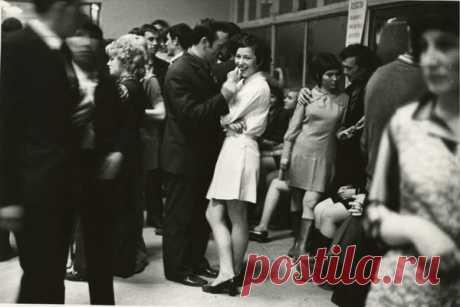 Советская молодежь 60-х: комсомол, целина, твист...   ИСТОРИЯ РОССИИ В ФОТОГРАФИЯХ   Яндекс Дзен