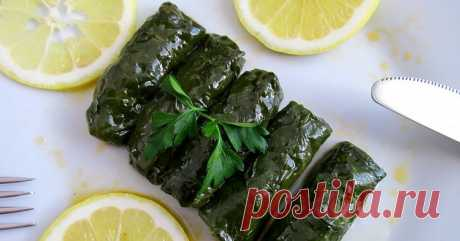The spinach sarma (Ispanak Sarmas ı) Is any more not news that the sarma (dolma) can be prepared from any edible and available leaves. And spinach of course not an exception)))...