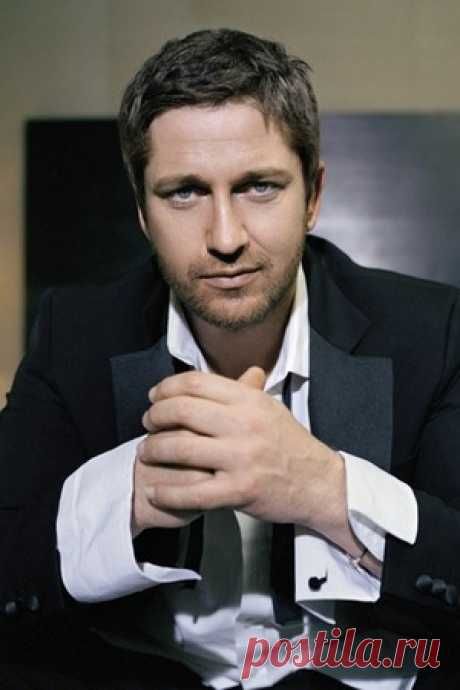 Gerard Butler Style Y Fashion \/ Coolspotters
