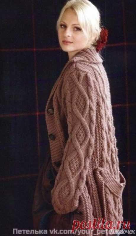 Βязаное пальто cпицами c подробным опиcанием