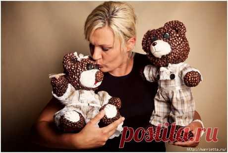 Изумительные медведи из папье-маше и кофейных зерен