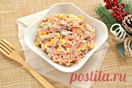 Салат с говядиной, кукурузой и корейской морковкой