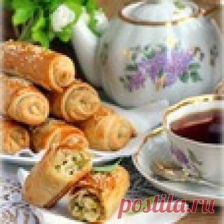 """Пирожки """"Вэрзэре"""" с солеными огурцами и рисом - кулинарный рецепт"""