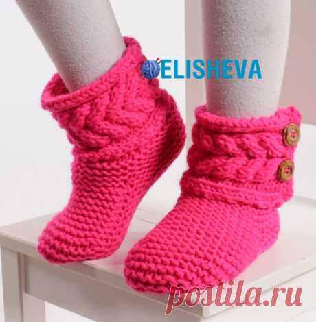 Сапожки для девочки от Drops Design вязаные спицами платочным узором со жгутом | Блог elisheva.ru