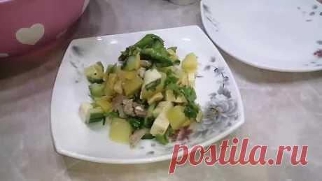 Такой салат вы точно не видели. Очень вкусный салат без майонеза.