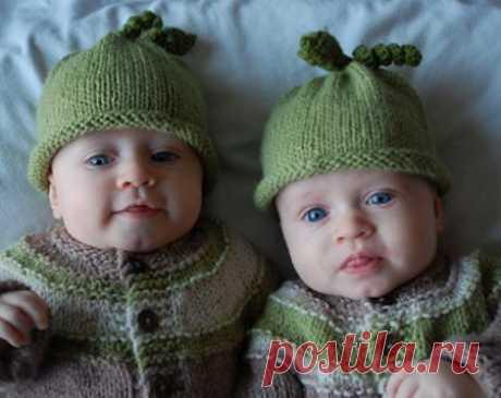 Los cuartos para niños tejido por los rayos del gorrito para el recién nacido, para el muchacho y la muchacha con la descripción