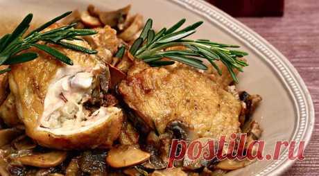 Жаркое из курицы с грибами, луком и розмарином, пошаговый рецепт с фото