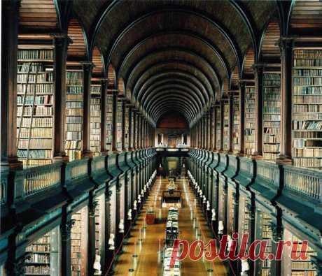 Просто дух захватывает от такой красоты.... Мне больше всего нравится библиотека Тринити колледжа. Вот бы побывать там! Голова закружится от такого количества книг... За всю жизнь столько не прочитаешь!