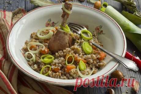 Grechka con la gallina en el horno. En gorshochke. poshagovyy la receta de la foto - Ботаничка.ru