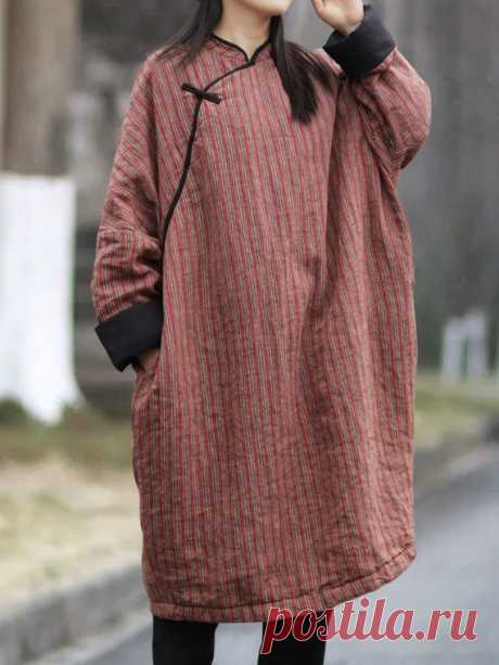 Women oversized Long Winter robe, Linen Long sleeve dress, padded dress 【Fabric】 Fabric; linen Lining; Cotton 【Color】 Photo Color 【Size】 Shoulder + sleeve length 72cm / 28 Bust 146cm / 57 Cuff circumference 35cm/ 14 Length 105cm/ 41    Have any questions please contact me and I will be happy to help you.