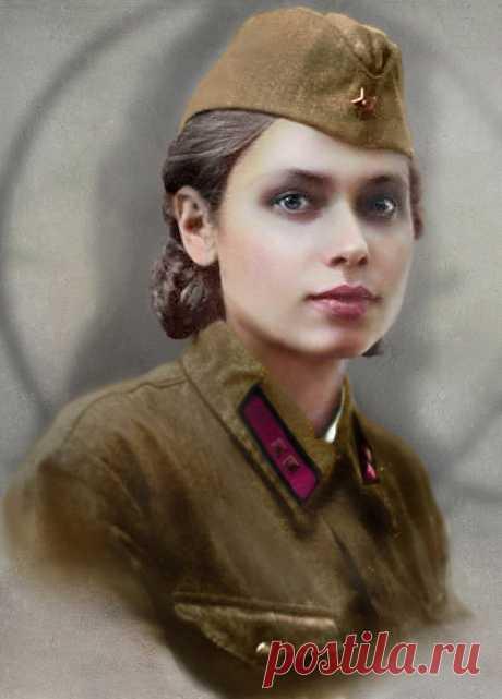 Sobre las chaquetas – la orden, la medalla,\u000aNo es necesario esconder las canas...\u000aComo sobrevivíais al frente,\u000a¿Las mujeres que han pasado la guerra?\u000a\u000aSe debe combatir al hombre.\u000a¡La patria llama – ve al combate!\u000aLa mujer – en la trinchera, en styloy a la arcilla...\u000aEl estrépito de las explosiones y los proyectiles aulla...\u000a\u000aQue a la guerra hasta la esencia femenina delgado,\u000aLa muerte no desmonta, quien es quien...\u000a¡Las alumnas, completamente todavía las muchachas!\u000a¿A Ud esto ha caído por que?\u000a\u000aLos francotiradores, svyazistki, la enfermera...\u000aSí, el destino a usted no era bueno.\u000aA Ud en el banco en el parque silencioso\u000aTSelovats...
