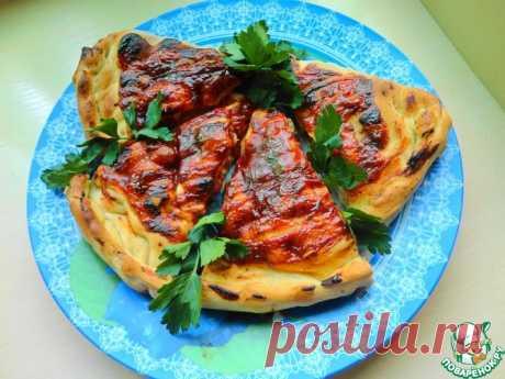 Пицца кальцоне с копчеными колбасками Кулинарный рецепт