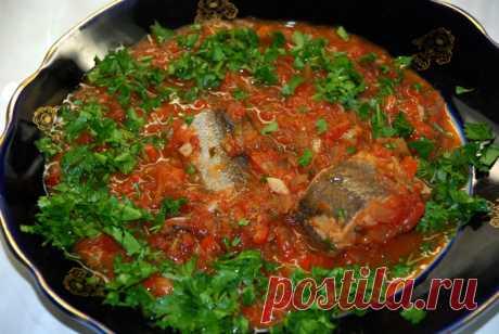 Храйме — тушеная рыба  Начну с интриги. После того, как приготовил – съел две тарелки собственно соуса, пока дошел до рыбы. Вкусно – нет слов. Редко я так говорю, но, сейчас именно такой случай. Что такое храйме? Это рыба …