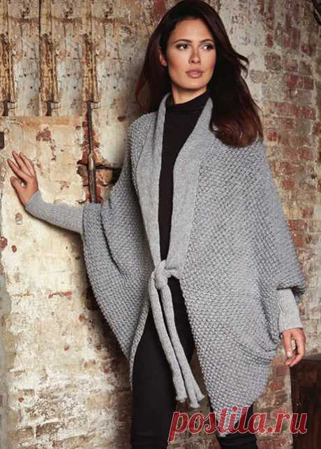 Оригинальное объемное кардиган-пончо каракулевым узором спицами — Пошивчик одежды