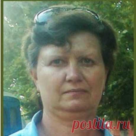 Лена Голикова
