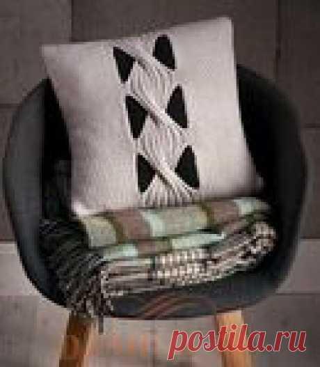 Вязаная подушка «Sloane Square»