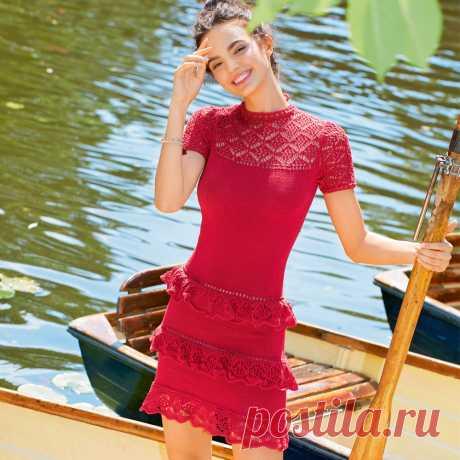 Красное платье с кружевными оборками - схема вязания спицами с описанием на Verena.ru