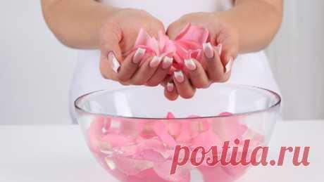 Розовая вода - как приготовить и использовать в домашних условиях Розовая вода - что это за средство и как она работает? Рецепт приготовления и способы применения розовой воды.