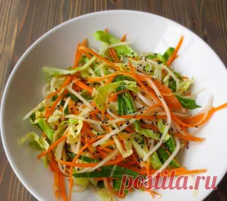 Японский салат из пекинской капусты Пекинская капуста просто незаменимый ингредиент в зимних салатах! Содержит много витаминов и ее любят практически все. Идеально сочетается с мясом, рыбой