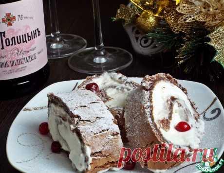 Шоколадный меренговый рулет со взбитыми сливками – кулинарный рецепт