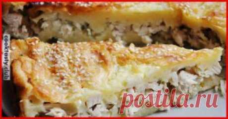 5 самых вкусных рецептов диетических пирогов с пользой для талии! 1. Легкий куриный пирог Ингредиенты: Куриное филе отварное — 300 г Молоко 1% — 150 г Яйцо — 2 шт Мука цельнозерновая — 50 г Сыр нежирный — 50 г Специи, зелень, соль — по вкусу Приготовление: Куриное филе мелко нарезаем. Взбиваем яйца с солью и молоком, добавляем муку, приправ, зелень — получается негустое тесто. …