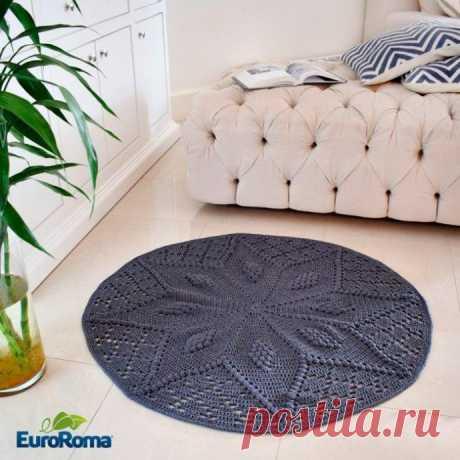 Симпатичный коврик с узором