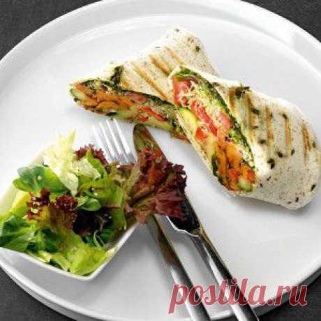 Буррито с жареными овощами и песто рецепт – вегетарианская еда: закуски
