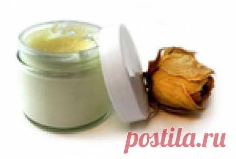 Домашний ночной крем на вазелине: морщины и пятна уйдут за несколько недель