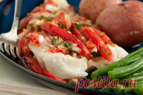 Los platos simples cotidianos: el bacalao, cocido en el horno, \/ las recetas Simples