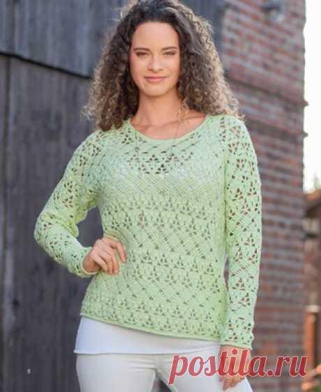 Ажурный пуловер на весну крючком Свяжите этот пуловер из пряжи нежного цвета молодой листвы, чтобы встретить весну в «правильном» наряде. А на лето можно выбрать и другой вариант.  Журнал «Маленькая Diana» №3/2016 РАЗМЕРЫ Показать полностью…