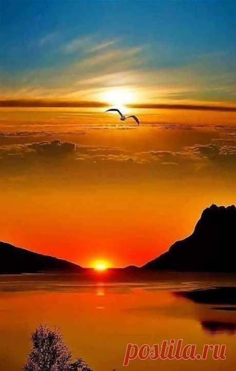 Beautiful Sunrise and Sunset amaze your eyes